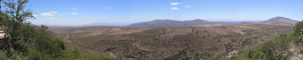 180 degree view from Raha Mstarehe, Il Masin, Kenya. (Copyright: ElephantVoices)