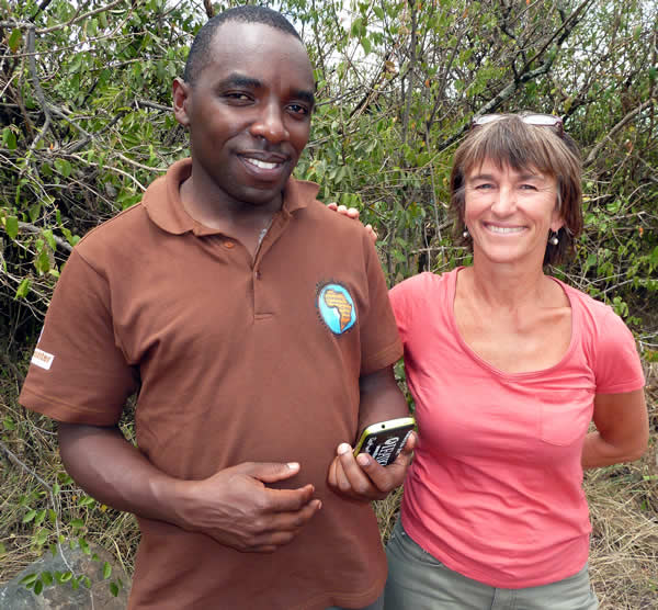 Introducing the Mara EleApp, cellphone-based data collection of elephant observations, to African Impacts Lincoln Njiru. (©ElephantVoices)