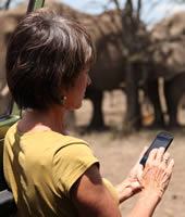 ElephantVoices' Joyce Poole working with Mara EleApp on Mara Conservancy. (©ElephantVoices)